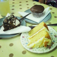 Photo prise au Cupcake Cafe par Graham C. le8/9/2014