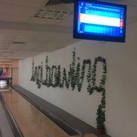 Photo taken at inci sitesi bowling salonu by Ömercan Y. on 5/16/2016