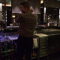 12/14/2013 tarihinde Dress for the Dateziyaretçi tarafından Hotel Arts Ritz Club Lounge'de çekilen fotoğraf