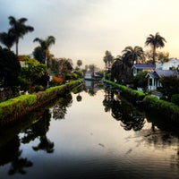 Foto tirada no(a) Venice Canals por Dress for the Date em 3/20/2013