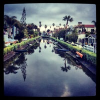 Foto tirada no(a) Venice Canals por Dress for the Date em 3/31/2013
