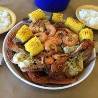 Das Foto wurde bei Crab Corner von BabyDoll . am 5/12/2014 aufgenommen