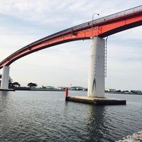 Photo taken at 中の島大橋 by nj. あ. on 7/17/2017