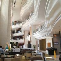 10/28/2012にMargarita P.がShangri-La Hotelで撮った写真