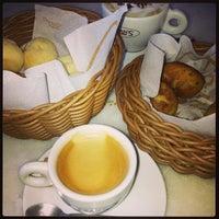 Foto diambil di Fran's Café oleh PY pada 5/14/2013