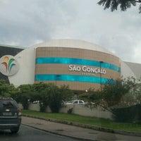 Foto tirada no(a) São Gonçalo Shopping por Gabriel C. em 2/3/2013