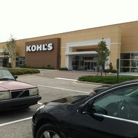 Photo taken at Kohl's by Krissada D. on 9/24/2012