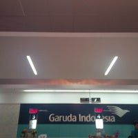 Photo taken at Garuda Indonesia Sales & Ticketing Office by Jane T. on 9/20/2013