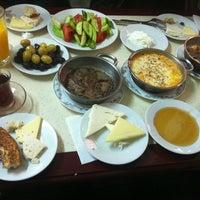 3/24/2013 tarihinde Tugba B.ziyaretçi tarafından Çakmak Kahvaltı Salonu'de çekilen fotoğraf