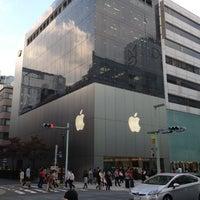 รูปภาพถ่ายที่ Apple Store โดย akakeno เมื่อ 10/22/2012