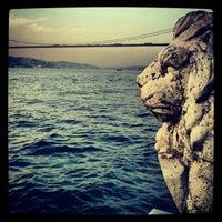 Das Foto wurde bei Kuzguncuk Sahili von Ahmet E. am 10/3/2012 aufgenommen