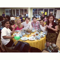 Photo taken at Restoran Yuen Buffet Steamboat by Adrienne F. on 11/26/2014