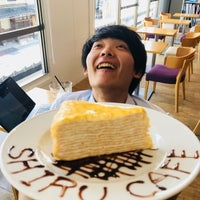 Photo taken at 知るカフェ同志社大学前店 by Tadahiro I. on 9/5/2018