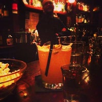 Foto diambil di Lucey's Lounge oleh Anita K. pada 1/29/2013