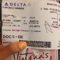 Photo taken at Delta Airlines Check-in by Amanda Sofía R. on 11/4/2015