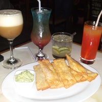 Photo taken at El Jardín Secreto - Lounge Bar by Belen N. on 7/5/2014