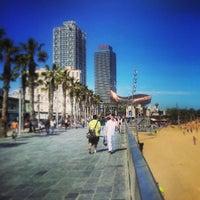 Foto tirada no(a) Praia da Barceloneta por Jesus M. em 4/13/2013