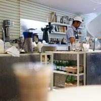 Foto tirada no(a) Kaizen Coffee Co. por Pradt K. em 8/11/2017