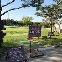 Photo taken at Sky72 Dream Golf Range by Jisun K. on 5/8/2018