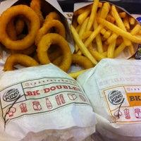 Das Foto wurde bei Burger King von Ayu S. am 1/10/2013 aufgenommen