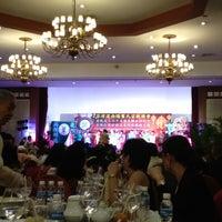 Photo taken at Centennial Hall (Manila Hotel) by Reaj Y. on 9/16/2012