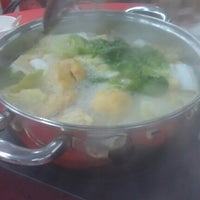 Photo taken at Restaurant Jin Zhou (Steamboat) by yeee h. on 2/16/2013