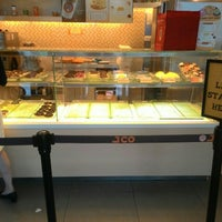 Photo taken at J.CO Donuts & Coffee by May Angeli A. on 12/17/2015