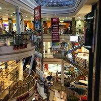 Foto tirada no(a) Shopping Del Paseo por Haroldo F. em 4/18/2013