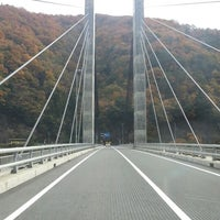 Photo taken at 奥いび湖大橋 by Hideaki T. on 11/27/2012