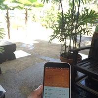 Photo taken at โรงแรมเรือนอินทร์ Ariya Inn by Bill on 10/20/2015