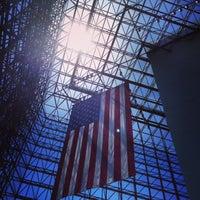 Foto scattata a John F. Kennedy Presidential Library & Museum da Dawn Z. il 6/1/2013