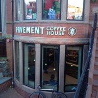 12/15/2012 tarihinde Karl F.ziyaretçi tarafından Pavement Coffeehouse'de çekilen fotoğraf