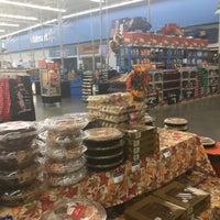 Photo taken at Walmart Supercenter by Rober T. on 11/12/2016