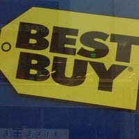 Photo taken at Best Buy by Gus L. on 12/21/2012