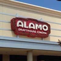 รูปภาพถ่ายที่ Alamo Drafthouse One Loudoun โดย Cristian V. เมื่อ 6/22/2013