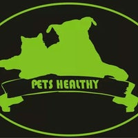 Photo taken at Pets Healthy by Matías F. on 6/13/2015