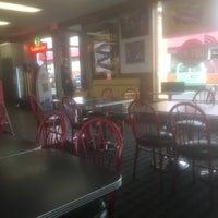 Photo taken at Burger Mania by Robert S. on 1/21/2017