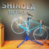 Das Foto wurde bei Shinola Store Detroit von Lori N. am 7/13/2013 aufgenommen