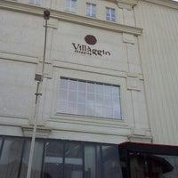 Foto tirada no(a) Villàggio Shopping por Chaval . em 5/18/2013