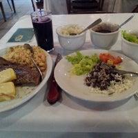 Foto tirada no(a) Restaurante Girassol por Marcelo d. em 2/18/2013