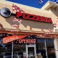 Das Foto wurde bei Bay34th St Pizzeria von Dennis R. am 2/10/2016 aufgenommen