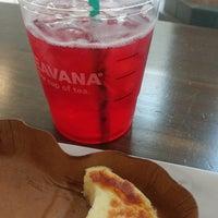 Foto diambil di Starbucks oleh Phoenix F. pada 5/28/2017