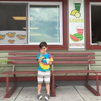 Photo taken at Gina's Italian Ice by Jerry V. on 5/7/2015
