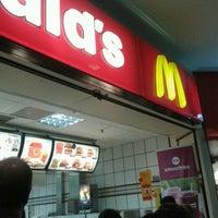 Foto tirada no(a) McDonald's por Diego D. em 9/16/2012
