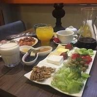 Photo taken at Paradise Café | کافه پارادایس by M Nayere K. on 12/19/2016