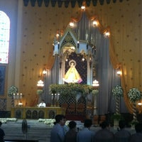 รูปภาพถ่ายที่ National Shrine of Our Lady of the Holy Rosary of La Naval de Manila (Sto. Domingo Church) โดย Darwin R. เมื่อ 10/6/2012