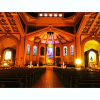 รูปภาพถ่ายที่ National Shrine of Our Lady of the Holy Rosary of La Naval de Manila (Sto. Domingo Church) โดย Darwin R. เมื่อ 6/3/2013