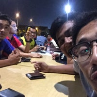 Photo taken at Murah Berkat Seafood by Farizul J. on 9/28/2015