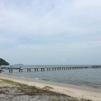 Photo taken at Gertak Sanggul Seaside by Edwin K. on 8/6/2016