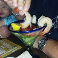 Photo taken at LongHorn Steakhouse by Matthew R. on 11/6/2012
